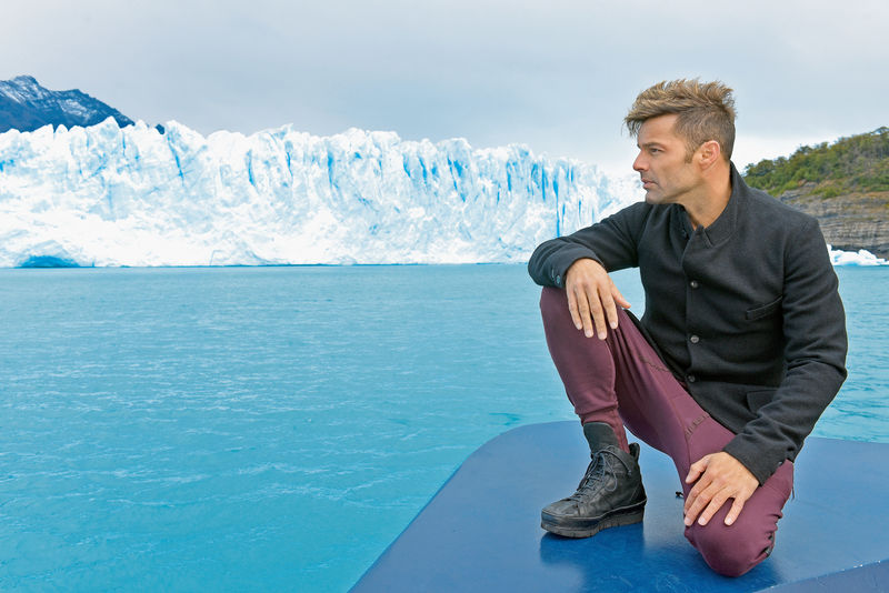 Foto©2016: The Grosby Group Calafate, Argentina, Feb. 26, 2016 EXCLUSIVE RICKY MARTIN visits the glacier Perito Moreno in the south of Argentina. The singer took a break from his South American tour to visit the incredible frozen landscape.