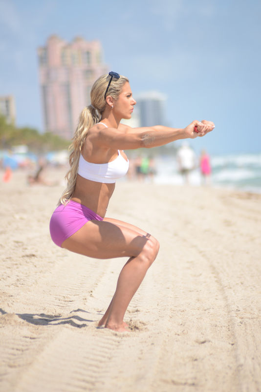 137169, EXCLUSIVE: Bikini Champion Jill Bunny goes for a morning workout on Miami Beach. The 27 year Old Canadian Fitness Star seen doing an early morning workout, Jill is the winner of the Arnold Classic Bikini Competition and a Health and Wellness coach. Miami, Florida - Thursday May 14, 2015. Photograph: © PacificCoastNews. Los Angeles Office: +1 310.822.0419 sales@pacificcoastnews.com FEE MUST BE AGREED PRIOR TO USAGE