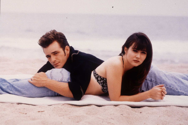 Shannon Doherty and Luke Perry star in