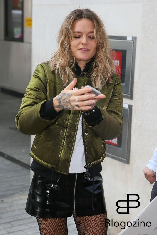 Swedish singer Tove Lo arriving at the BBC Radio One studios to perform on the Live Lounge - London  8 November 2016. Please byline: Vantagenews.com