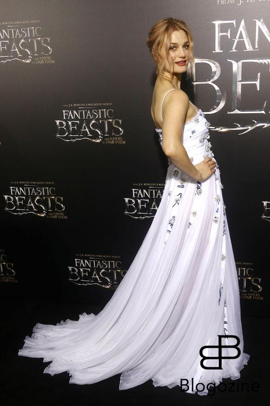 "52228386 Celebrities attend the premiere of ""Fantastic Beasts"